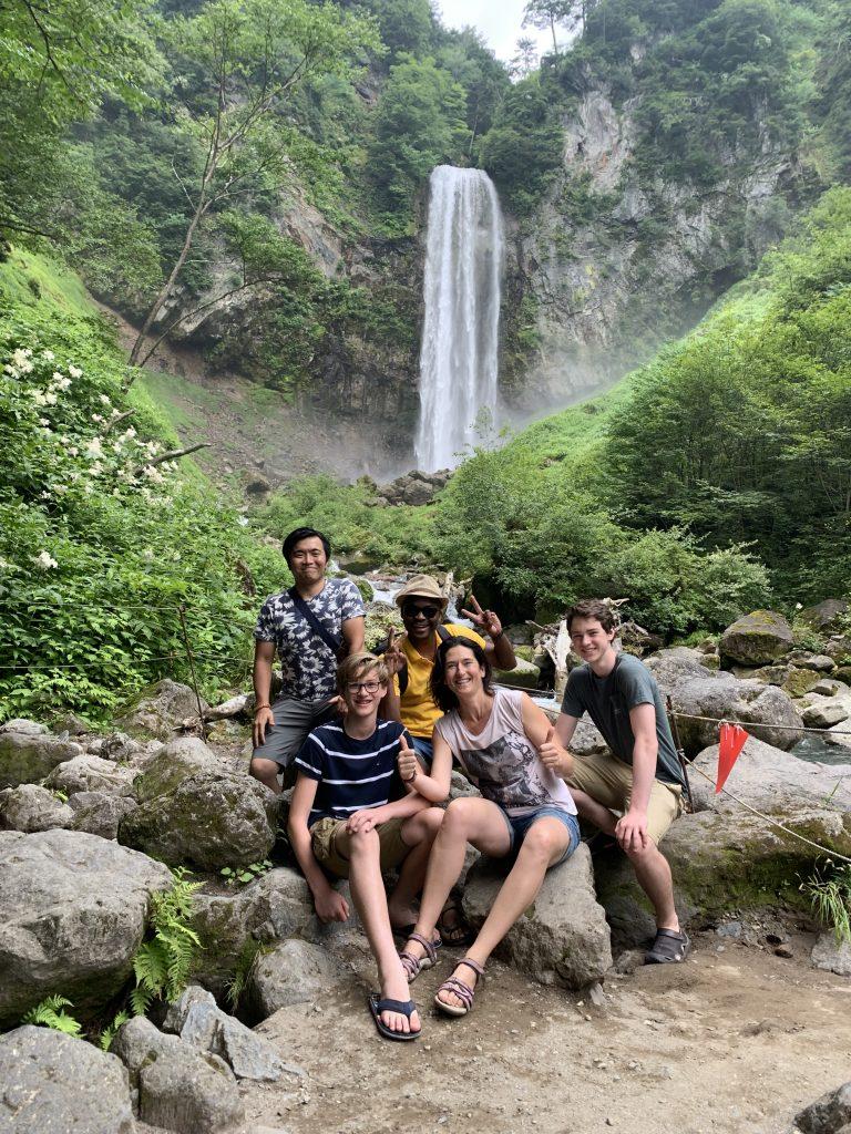 平湯大滝と家族
