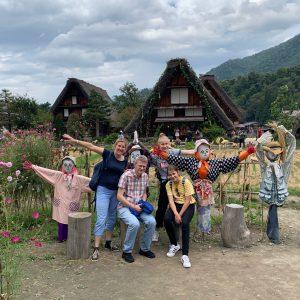 白川郷とカカシと家族