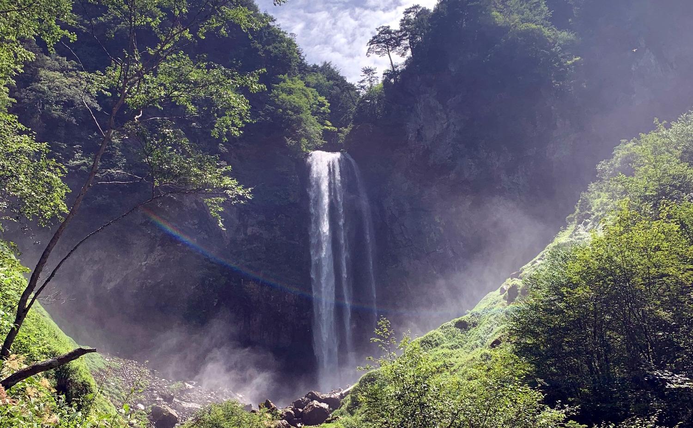 平湯大滝のアップ